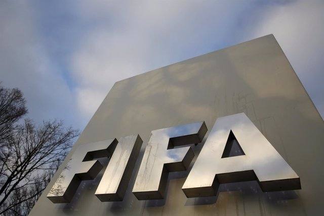 La FIFA concede la cautelar a Real Madrid y Atlético de la sanción por fichajes