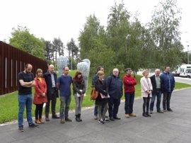Diputación y Juntas de Gipuzkoa se concentran en silencio para condenar el atentado de Londres