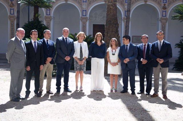 El diputado de Fomento, Óscar Liria, durante la firma del acuerdo en Sevilla.