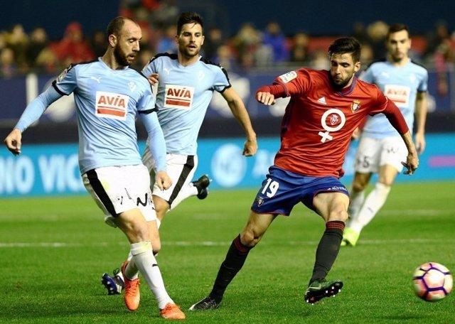 Iván Ramis, del Eibar, en un partido ante Osasuna