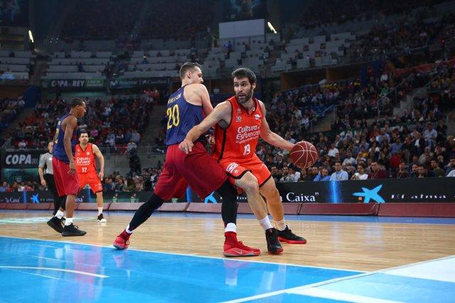 San Emeterio en el Valencia Basket - Barcelona