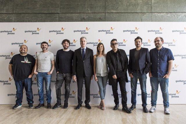 Jordi Garcia (en el centro), junto a actores participantes de 'Cinergía'