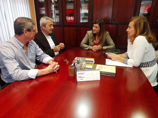 Reunión entre Carlos Sánchez (CC.OO) y María José Sáenz de Buruaga