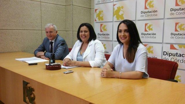 Amo, entre González y Martín, exponen el informe económico de la cata