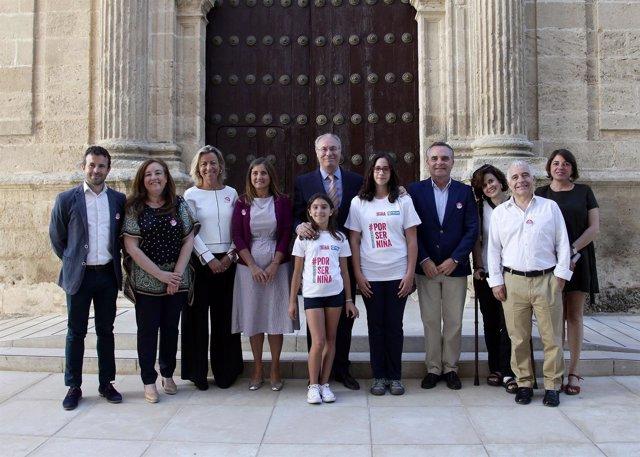 Campaña 'Por ser niña', en el Parlamento andaluz
