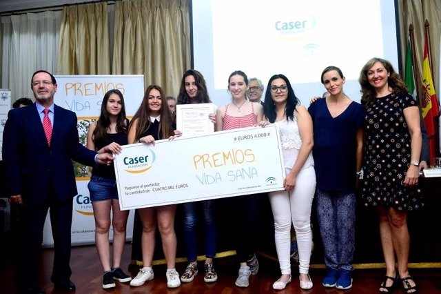 Alumnos del IES Guadalquivir reciben su reconocimiento