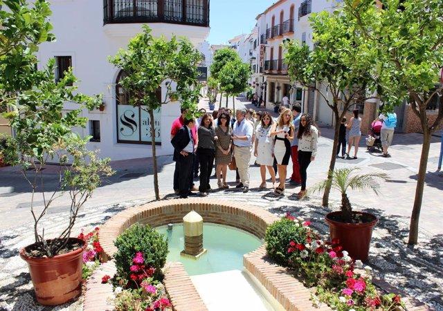 Asián visita Estepona jardín costa del sol turismo García Urbano Cid calles remo