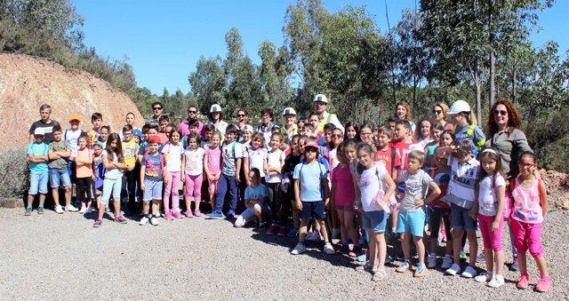 Escolares visitan Matsa.