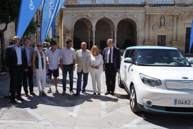 Presentación de la vuelta a España en coche eléctrico
