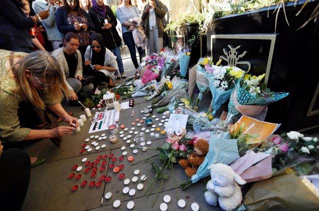 Vigilia homenaje a las víctimas en Manchester