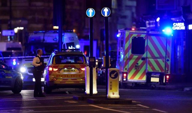 Policía en el Puente de Londres