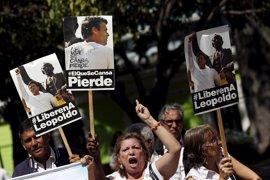 """Venezuela confirma que ha iniciado """"un diálogo"""" con el opositor Leopoldo López, en prisión desde 2014"""