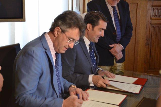León: Majo (I) y Suárez Quiñones (D)