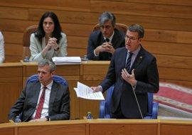 """Feijóo defiende su política ante una oposición que lo ve """"desaparecido"""""""