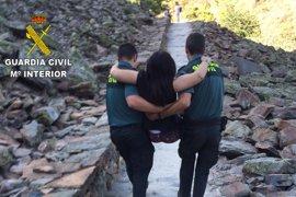 La Guardia Civil rescata a una senderista de 35 años herida en un paraje de la alquería de El Gasco (Cáceres)