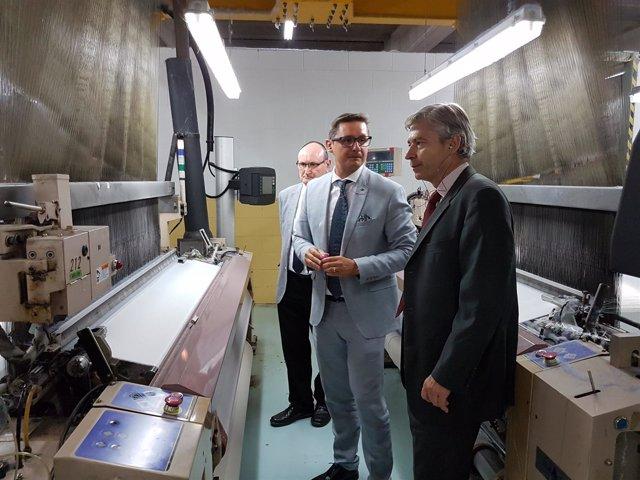 El Director General de Industria y Pyme, Mario Buisán, visitando Texfor