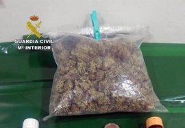 Guardia Civil detiene en Ceutí a un conductor con 173 gramos de marihuana ocultos en el maletero de su coche