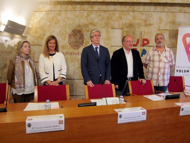 Mesa inaugural en la jornada de la UPSA .