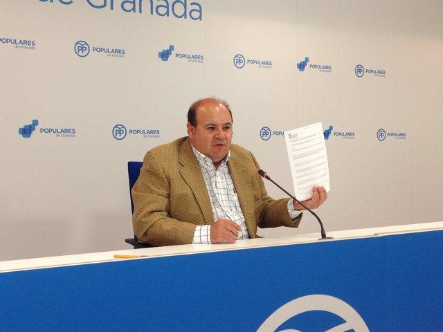 El portavoz del grupo del PP en la Diputación, José Robles