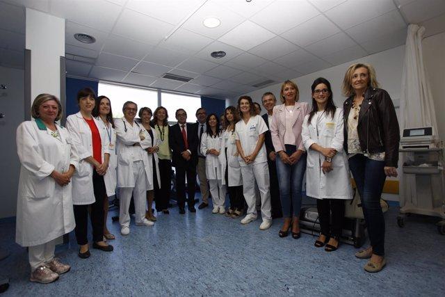 Martín, con personal de la FHC, en su visita