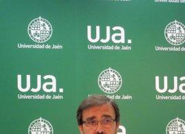 """El rector de Jaén ve """"fantástico"""" bonificar matrículas """"siempre que el coste no redunde en las universidades"""""""