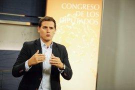 Rivera pide a Reino Unido acabar con la incertidumbre de la familia de Ignacio Echevería