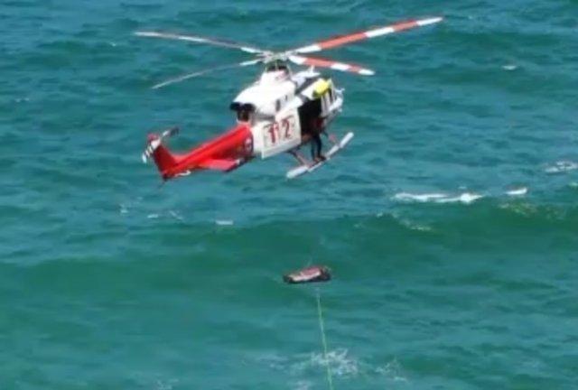Rescate del cadáver aparecido en la playa de Liendo