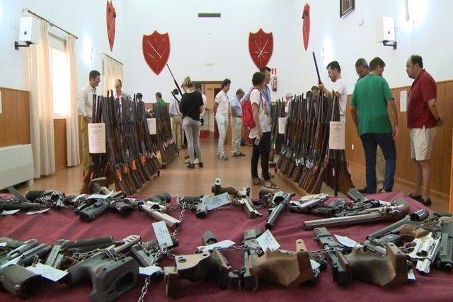 Exposición de armas en la Comandancia de la Guardia Civil