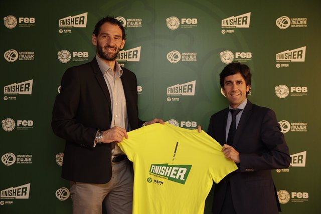Firma del acuerdo entre Finisher y la FEB