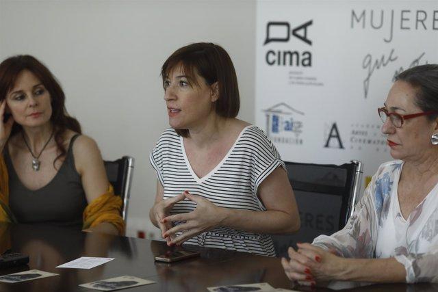 Silvia Marsó, Virginia Yagüe y Luisa Gavasa en un encuentro