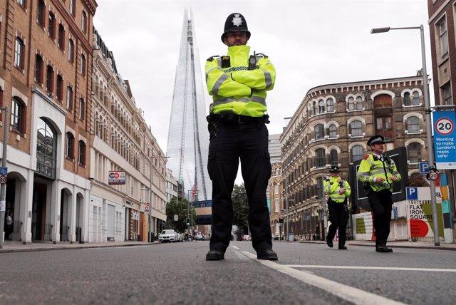 Policía británico en Londres