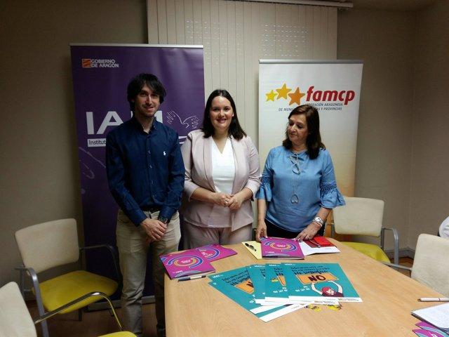 Presentación de una campaña del IAM y FCAMP contra las agresiones sexuales