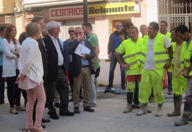 Salvador, Puig y Ribó en su visita a las obras de reurbanización del Cabanyal