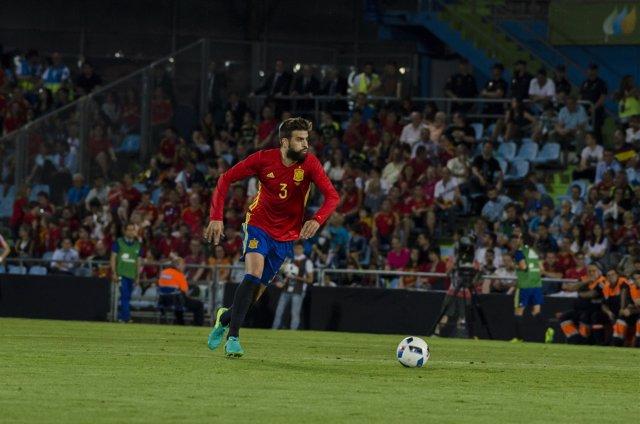 Piqué en el partido de España - Georgia