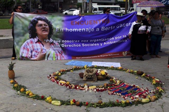 Acto de homenaje a la activista hondureña Berta Cáceres