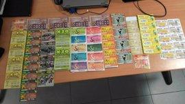 Detenidos por robar más de 400 cupones a un vendedor de la ONCE