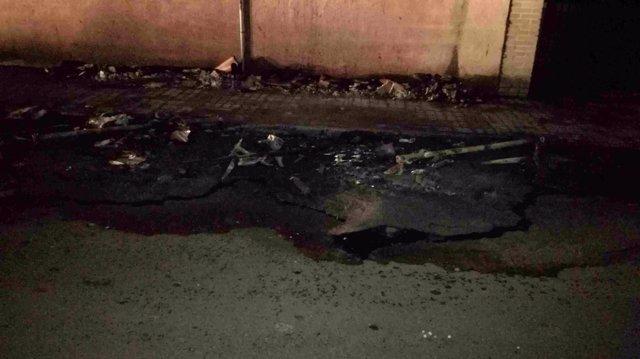 Arden varios contenedores en Burjassot