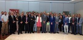 Directivos de Adimur de reúnen con representantes de la banca para analizar el sector financiero