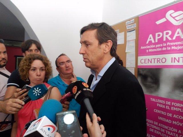 Hernando, en declaraciones a los periodistas