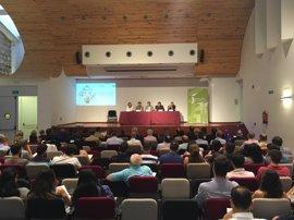 Reyes confía en las posibilidades del transporte y la logística para crear empleo y riqueza en Jaén