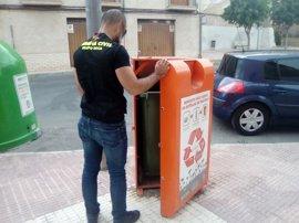Dos detenidos por robar más de 600 kilos de aceite reciclado en Ibi destinado a fines sociales