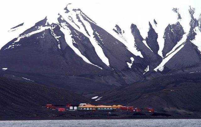 La Base Antártica Española Gabriel de Castilla, en isla Decepción