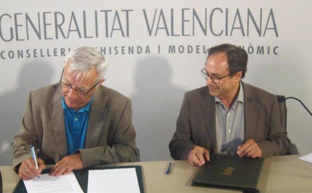 Ribó y Soler en la firma del convenio para cobrar multas de tráfico y ORA