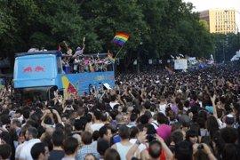 El PSOE pide al Congreso que se sume a la celebración del Orgullo LGTBI colgando la bandera arco iris