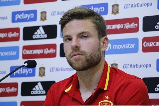 Asier Illarramendi en rueda de prensa con la selección española
