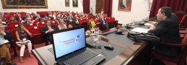 """El rector de la Hispalense celebra la bonificación de matrículas """"si no implica reducción en la financiación"""""""
