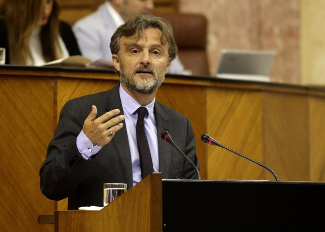 El consejero de Medio Ambiente y Ordenación del Territorio, José Fiscal