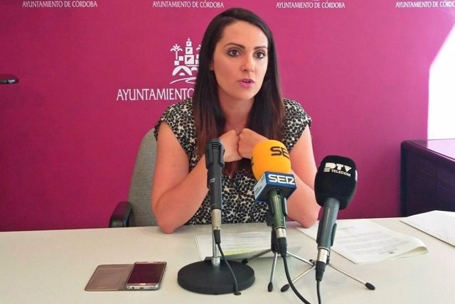 La portavoz del PSOE en el Ayuntamiento de Córdoba, Carmen González
