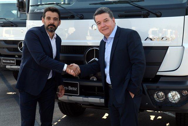 Entrega de camiones de Mercedes-Benz en Brasil