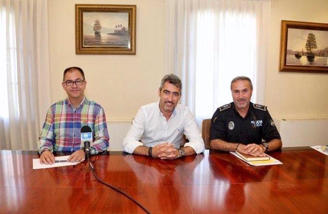 Alcalde victor navas policía local unidad nueva vigilar cumplir ordenanzas